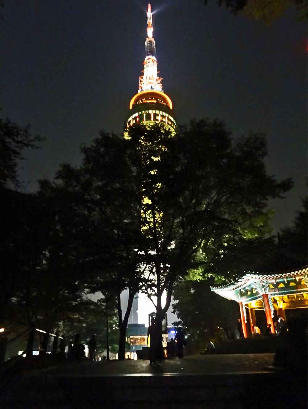 南山タワーライトアップ