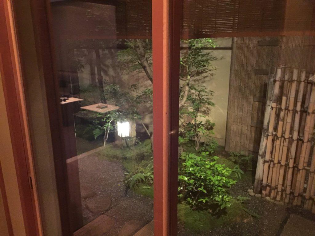 お茶屋さんの庭